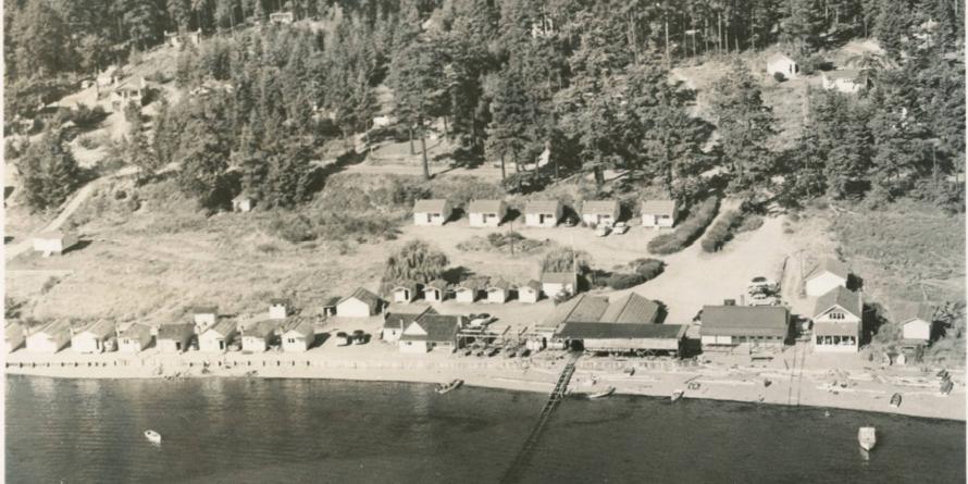 Aerial view of fishing resort in Mutiny Bay 1950s, Historic Photo